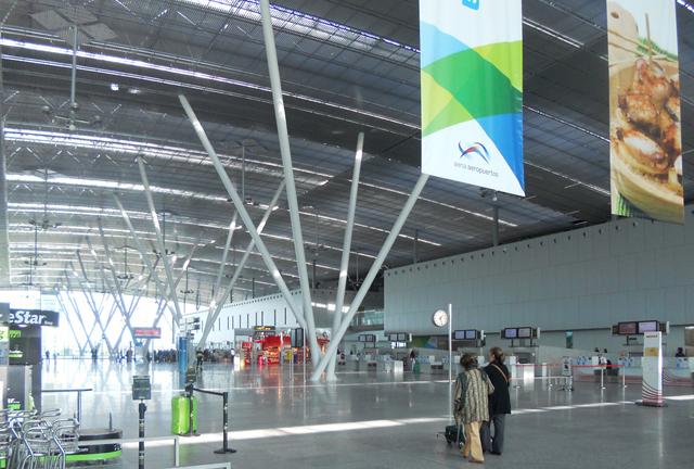 M92 en el Aeropuerto de Santiago de Compostela