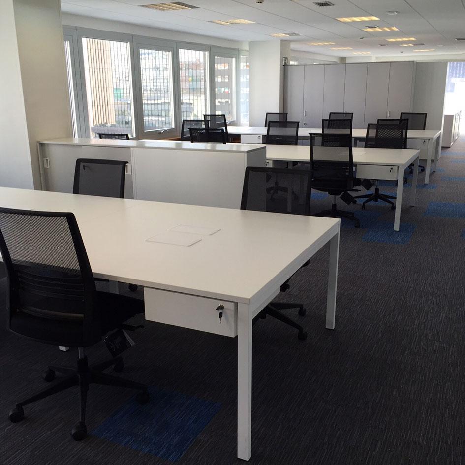 Dynamobel amuebla las oficinas centrales de arriaga for Oficinas linea directa madrid