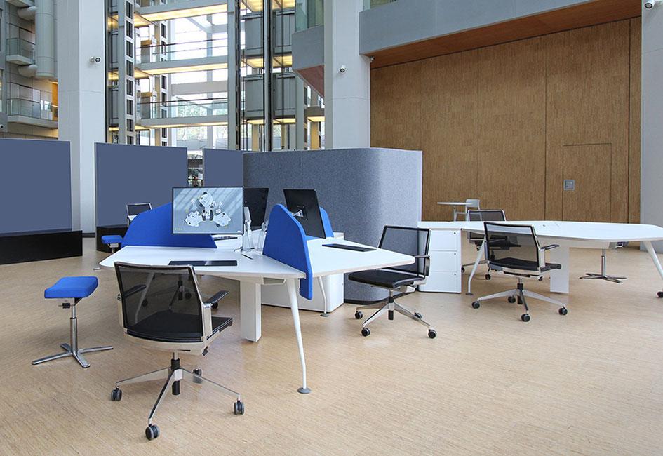 Cell. Mesa con panel.