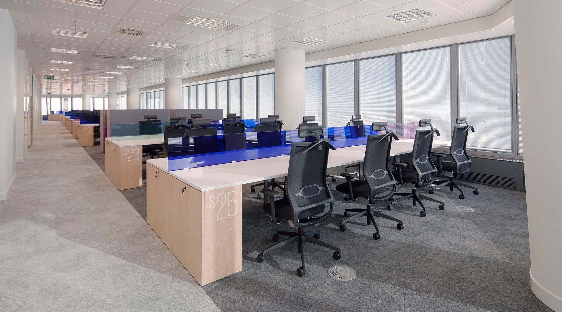 Proyecto de oficina para kpmg dynamobel - Oficinas de mutua madrilena ...